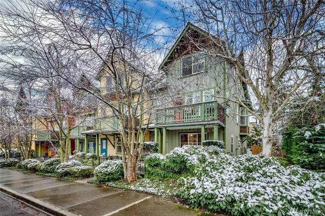 737 Madison Ave N, Bainbridge Island, WA 98110 (#1553306) :: Better Homes and Gardens Real Estate McKenzie Group