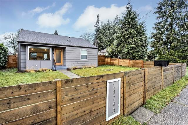 10743 Fremont Ave SW, Seattle, WA 98133 (#1553804) :: Real Estate Solutions Group