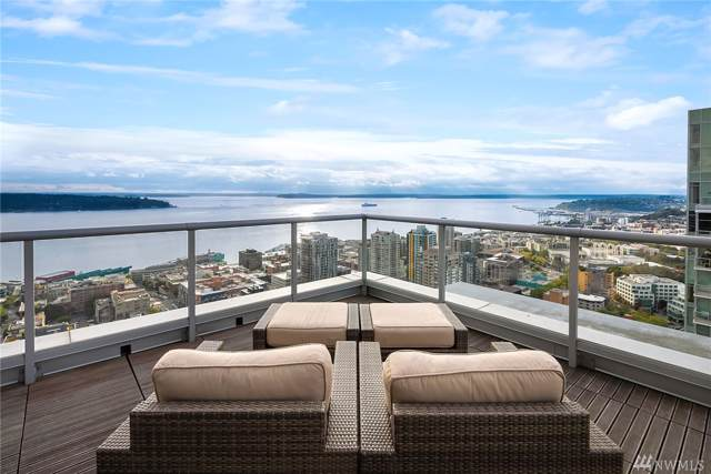 588 Bell St #1302, Seattle, WA 98121 (#1554474) :: Real Estate Solutions Group