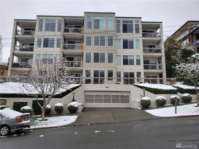 666 W Olympic Place #202, Seattle, WA 98119 (#1555029) :: Record Real Estate