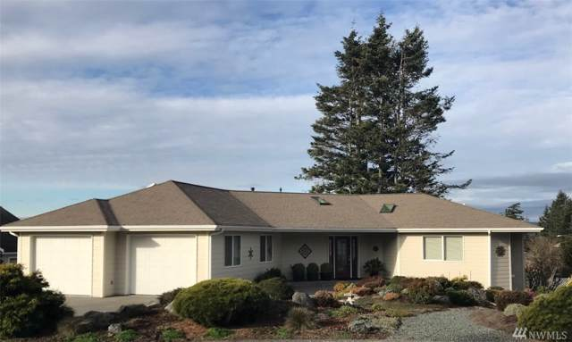 1813 Fife Place, Anacortes, WA 98221 (#1555503) :: Keller Williams Western Realty
