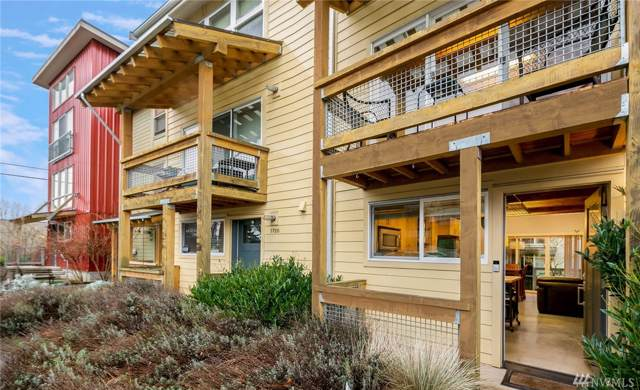 1724 SW Barton St, Seattle, WA 98106 (#1556123) :: Northwest Home Team Realty, LLC
