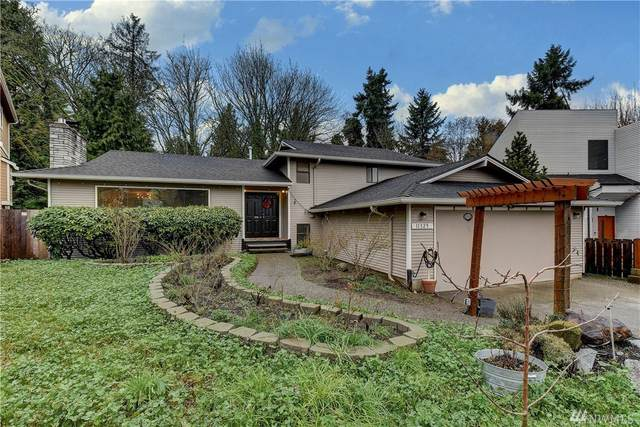 11329 82nd Ave S, Seattle, WA 98178 (#1556269) :: Real Estate Solutions Group