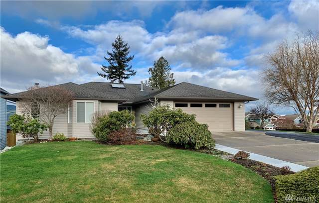 4002 W 3rd, Anacortes, WA 98221 (#1556416) :: Real Estate Solutions Group