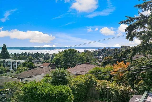 4421 44th Ave SW A, Seattle, WA 98116 (#1556723) :: Better Homes and Gardens Real Estate McKenzie Group