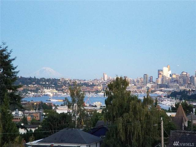 4111 Whitman Ave N #404, Seattle, WA 98103 (#1557014) :: Real Estate Solutions Group