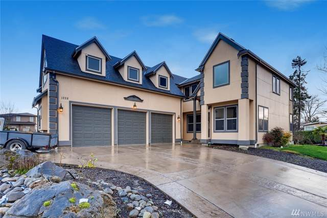 1228 S 273rd Place, Des Moines, WA 98198 (#1557804) :: Record Real Estate
