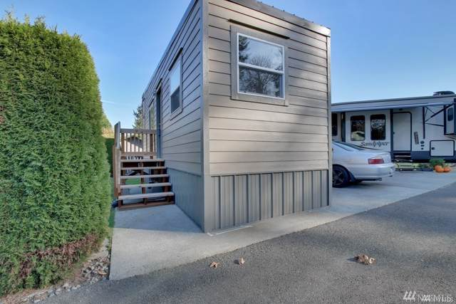9604 Fruitland Ave Th2, Puyallup, WA 98373 (#1557807) :: Keller Williams Western Realty