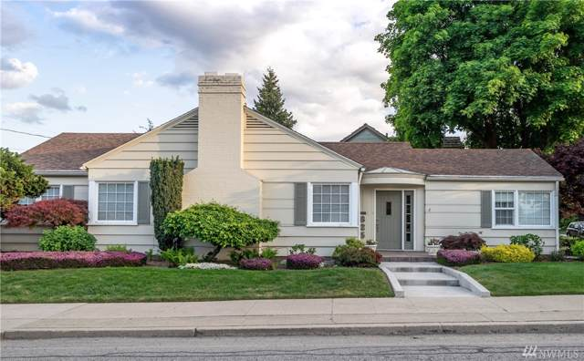 825 1st St, Wenatchee, WA 98801 (#1557865) :: Canterwood Real Estate Team