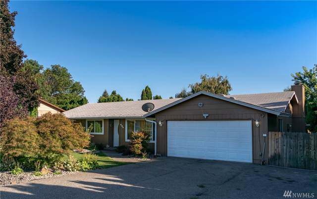 824 11th St NE, East Wenatchee, WA 98802 (#1558117) :: Northwest Home Team Realty, LLC
