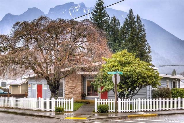 202 Sydney Ave N, North Bend, WA 98045 (#1558126) :: The Kendra Todd Group at Keller Williams