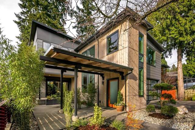11317 40th Ave NE, Seattle, WA 98125 (#1558347) :: Northern Key Team