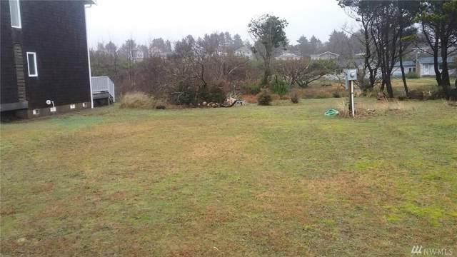 32506 G St, Ocean Park, WA 98640 (#1558357) :: Ben Kinney Real Estate Team