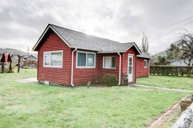 612 Fir St, Hoquiam, WA 98550 (#1558383) :: The Kendra Todd Group at Keller Williams