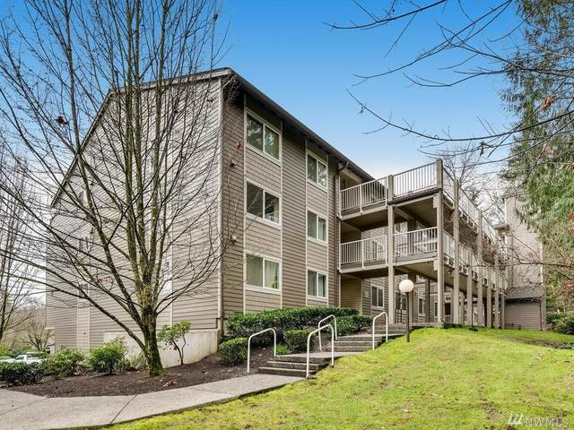 206 Mt Park Blvd SW D204, Issaquah, WA 98027 (#1558470) :: Keller Williams Western Realty