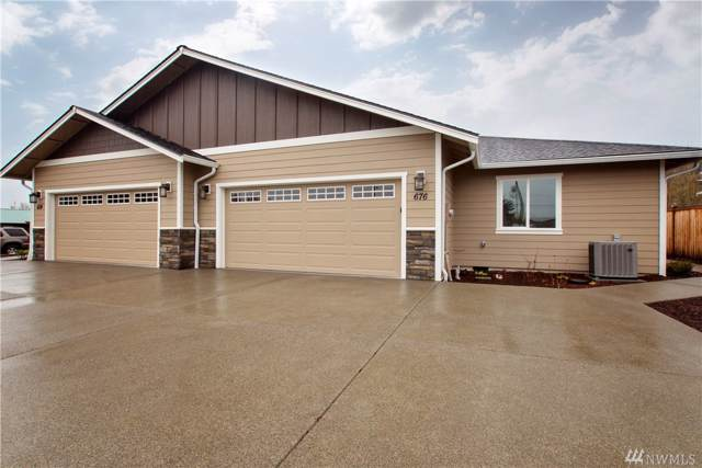 676-SW 20th St, Chehalis, WA 98532 (#1559025) :: Hauer Home Team