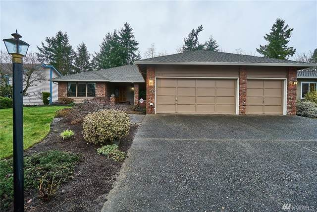 32333 11th Ave SW, Federal Way, WA 98023 (#1559351) :: Record Real Estate