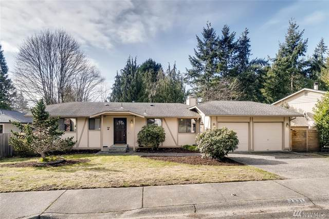 2932 165TH Place SE, Bothell, WA 98012 (#1559640) :: Mary Van Real Estate