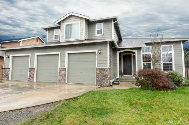 6912 NW 282nd Place, Stanwood, WA 98292 (#1560094) :: The Kendra Todd Group at Keller Williams