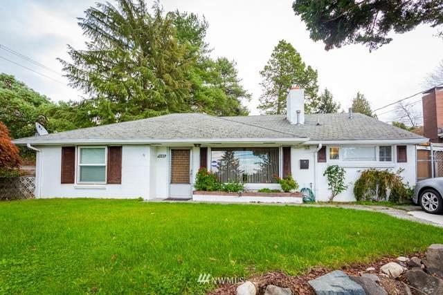 9202 23rd Avenue SW, Seattle, WA 98106 (#1560303) :: The Robinett Group
