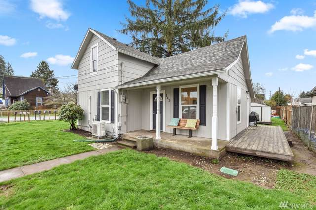 745 1st Ave SW, Castle Rock, WA 98611 (#1560663) :: The Kendra Todd Group at Keller Williams