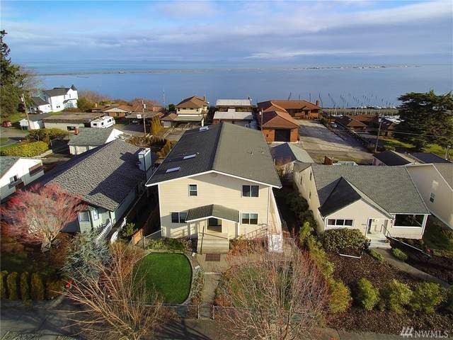 1021 W 5th St, Port Angeles, WA 98363 (#1560843) :: The Kendra Todd Group at Keller Williams