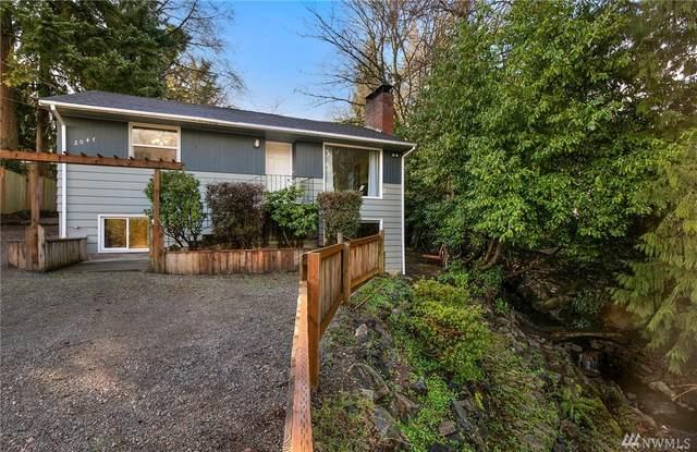 2047 NE 98th St, Seattle, WA 98115 (#1560968) :: The Kendra Todd Group at Keller Williams