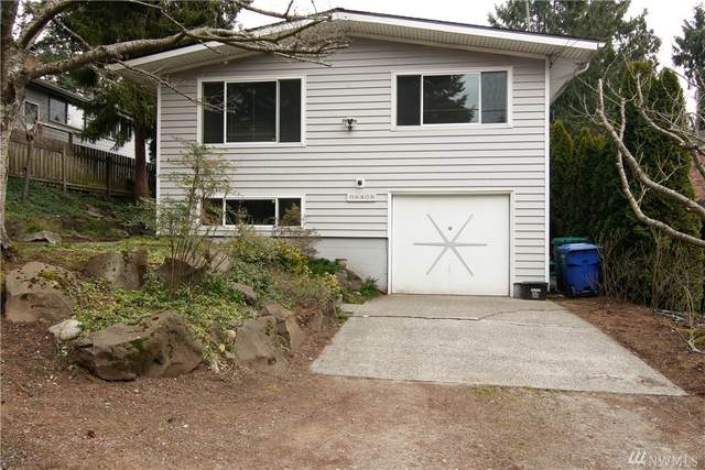 10420 17th Ave NE, Seattle, WA 98125 (#1561989) :: Alchemy Real Estate