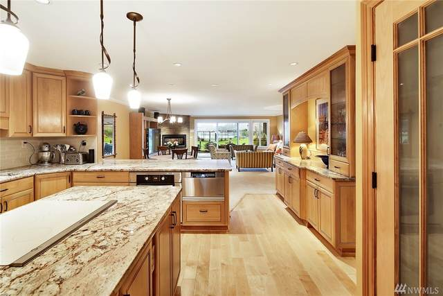 363 101st Ave SE 102-E, Bellevue, WA 98004 (#1562246) :: Northwest Home Team Realty, LLC