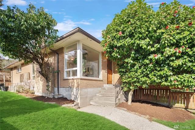 8201 18th Ave NE, Seattle, WA 98115 (#1562571) :: Tribeca NW Real Estate