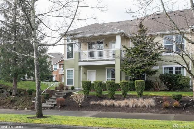 7707 Fairway Ave SE #201, Snoqualmie, WA 98065 (#1563215) :: Record Real Estate