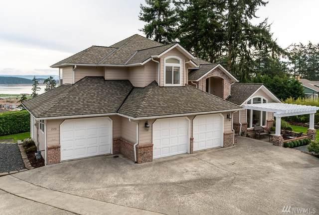 1370 SW Fairhaven Dr, Oak Harbor, WA 98277 (#1563957) :: Record Real Estate
