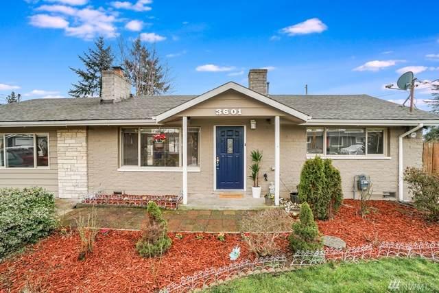 3601 NE 9th St, Renton, WA 98056 (#1565301) :: Mary Van Real Estate