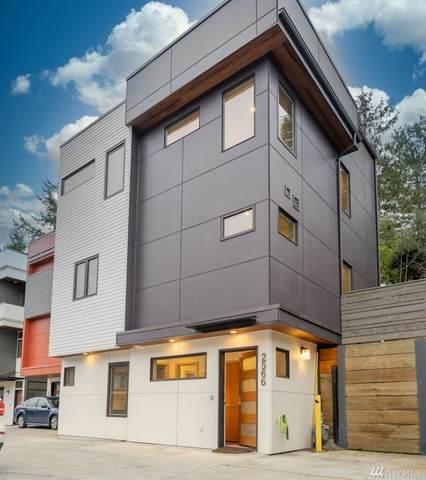2566 3rd Ave W, Seattle, WA 98119 (#1565352) :: Ben Kinney Real Estate Team