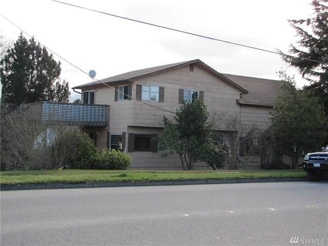 1017 S C St, Port Angeles, WA 98363 (#1566164) :: The Kendra Todd Group at Keller Williams