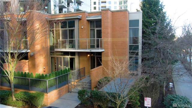 10672 NE 9th Place #18, Bellevue, WA 98004 (#1566620) :: Record Real Estate