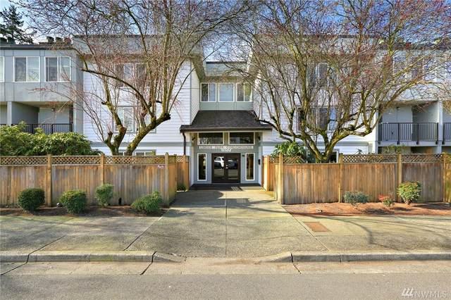 13717 Linden Ave N #326, Seattle, WA 98133 (MLS #1566704) :: Brantley Christianson Real Estate