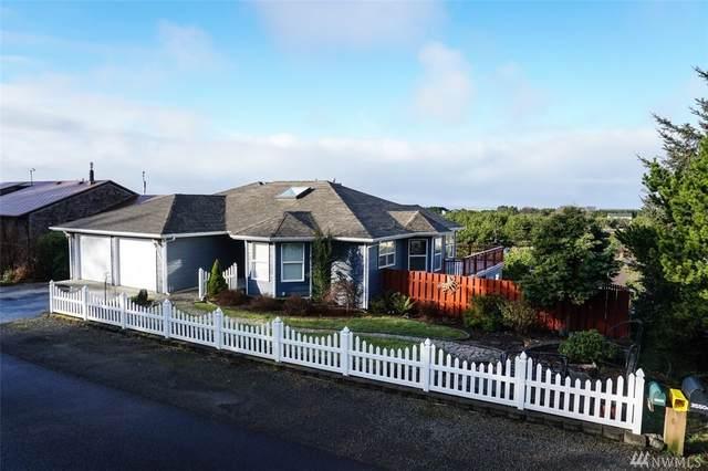 35503 J Place, Ocean Park, WA 98640 (#1567038) :: The Kendra Todd Group at Keller Williams