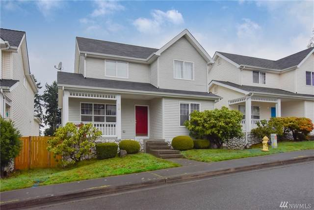 519 Queen Place, Renton, WA 98056 (#1567242) :: Hauer Home Team