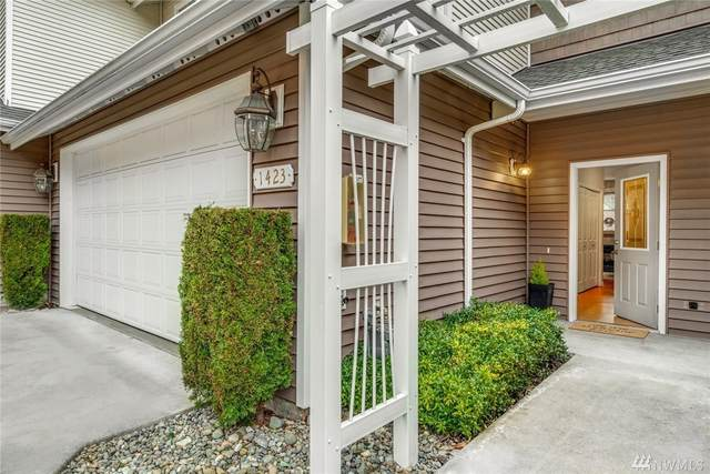 1423 NE 166th Ct #11, Shoreline, WA 98155 (#1567278) :: Ben Kinney Real Estate Team