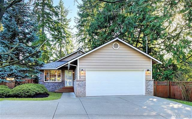 2215 NE 145th St, Seattle, WA 98155 (#1567465) :: TRI STAR Team | RE/MAX NW