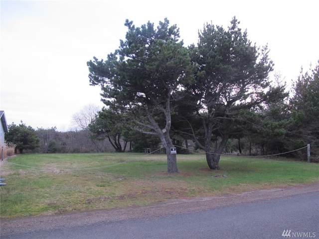702 357th St, Ocean Park, WA 98640 (#1568563) :: Record Real Estate
