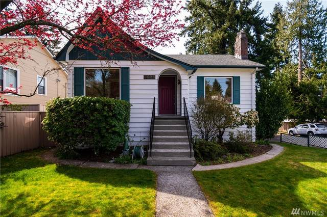 9025 8th Ave NE, Seattle, WA 98115 (#1568754) :: Becky Barrick & Associates, Keller Williams Realty