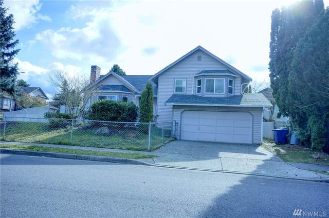 2703 NE 5th Place, Renton, WA 98056 (#1569608) :: The Kendra Todd Group at Keller Williams