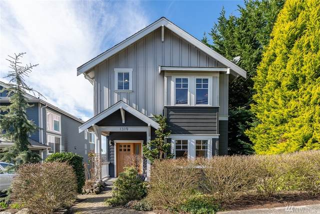 1319 30th Ave S, Seattle, WA 98144 (#1570427) :: Hauer Home Team