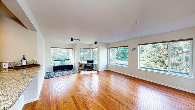 2301 NE Blakeley St #201, Seattle, WA 98105 (#1570518) :: Alchemy Real Estate