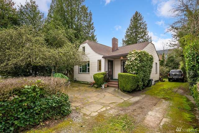 10549 Phinney Ave N, Seattle, WA 98133 (#1570679) :: The Kendra Todd Group at Keller Williams