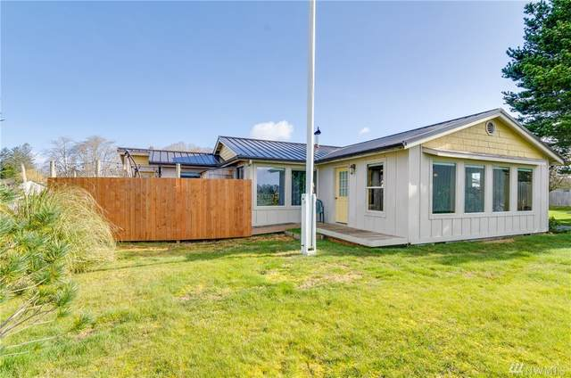 6910 Rochelle Wy, Ilwaco, WA 98624 (#1575716) :: Real Estate Solutions Group