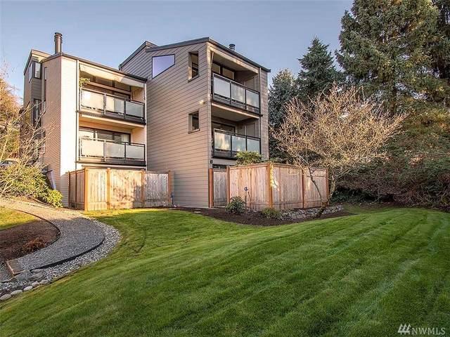 11226 NE 68th St B, Kirkland, WA 98033 (#1575897) :: Ben Kinney Real Estate Team