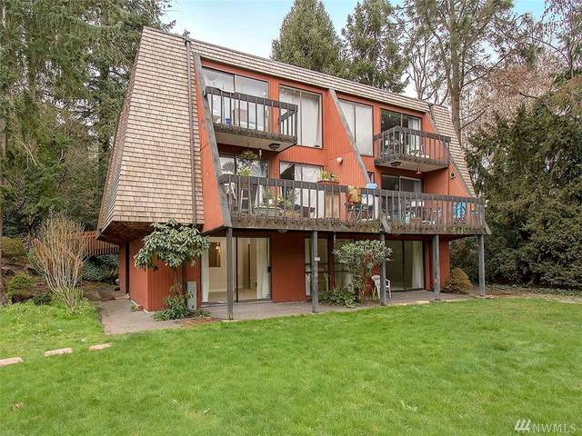 10757 Burke Ave N, Seattle, WA 98133 (#1576532) :: The Kendra Todd Group at Keller Williams